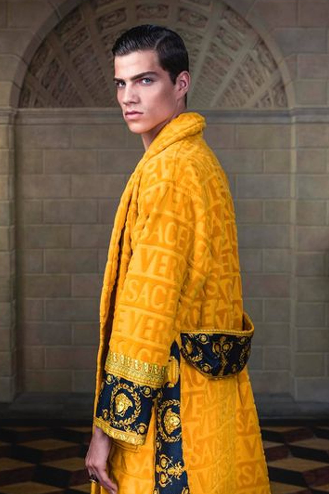 Versace I ♡ Baroque Bathrobe Oro Jaguar Mode