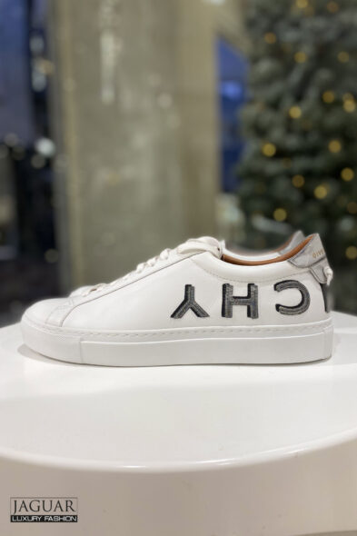 Givenchy reverse sneaker