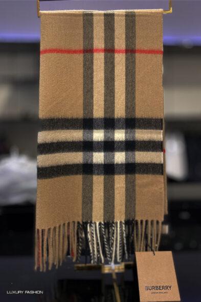 Burberry shawl cashmere