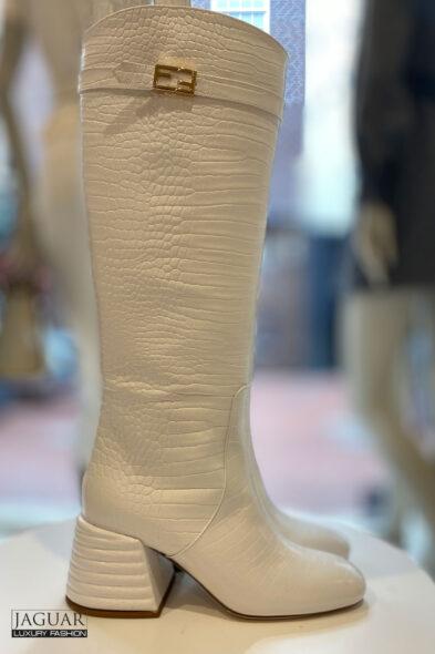Fendi boots white