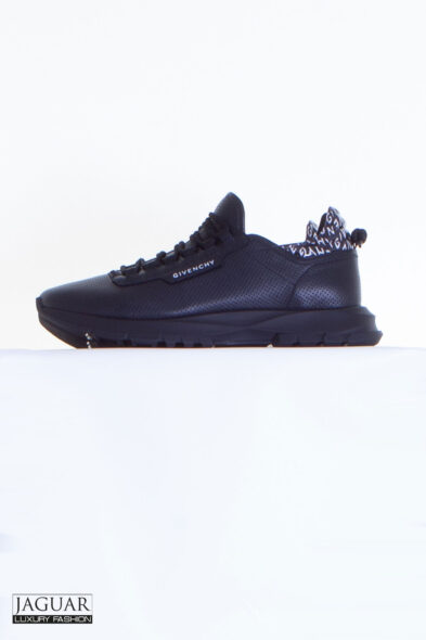 Givenchy spectre sneaker